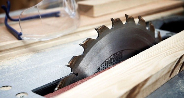 how to cut angles on a table saw