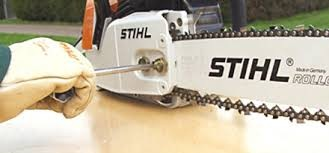 how to tighten the chainsaw chain