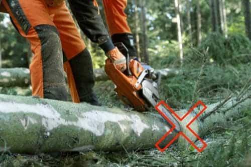 The kickback zone of chainsaw