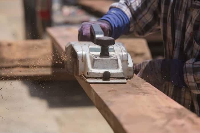 How To Use Electric Planer