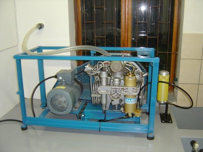 Stationary compressor