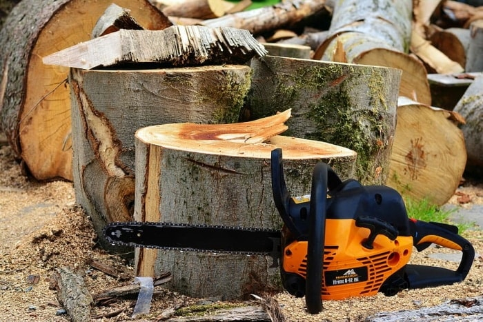 Be Careful When Using These Chainsaws