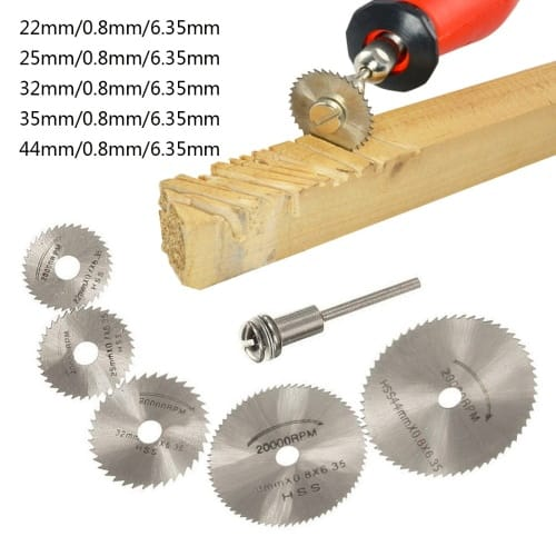 A circular saw to drill wood