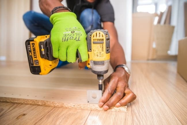 A cordless drill for wood