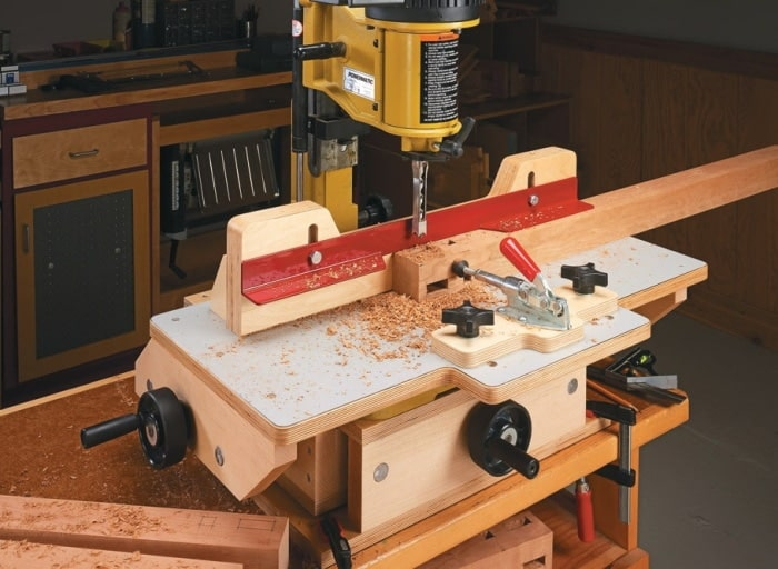 A mortiser machine to drill wood